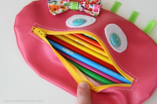 zipper mouth pencil case (via makeit-loveit)