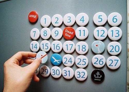 perpetual magnetic calendar (via apartmenttherapy)