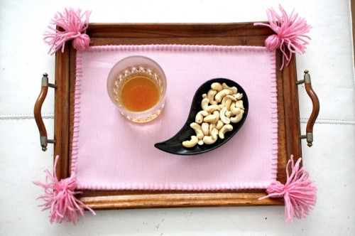 candy pink placemat (via alionsnest)