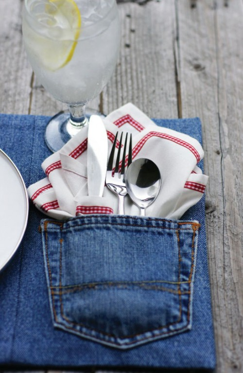 denim placemats (via todaysnest)