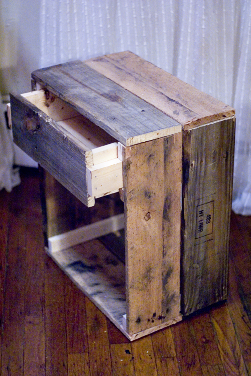 rustic reclaimed wood side table (via blackoakvintage)