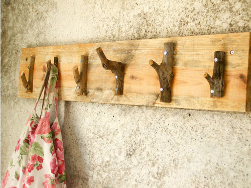 rustic coat hanger (via poppytalk)