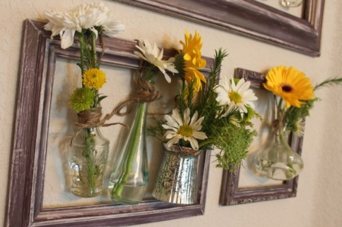 wall framed vases (via whitsamusebouche)