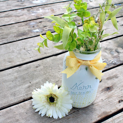 recycled mason jar vase (via blog)