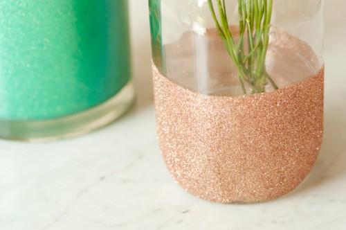 glitter vase (via thesweetestoccasion)