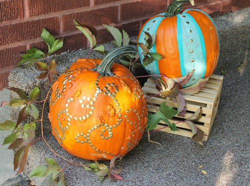 Cool DIY Teal Striped And Gold Thumb Pumpkins