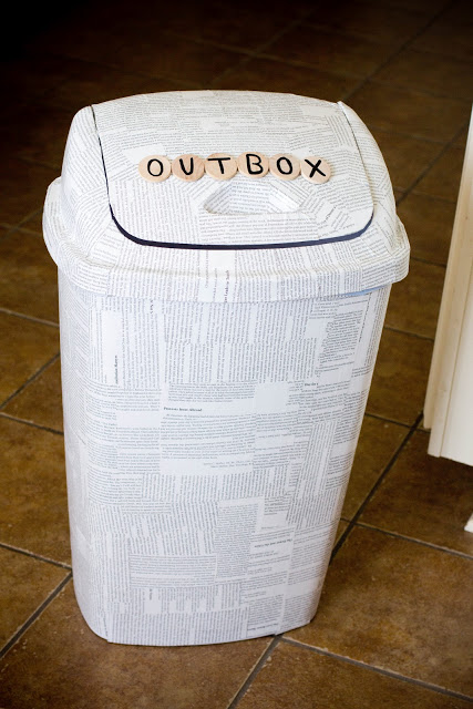 newspaper trash can makeover (via kateandkuby)
