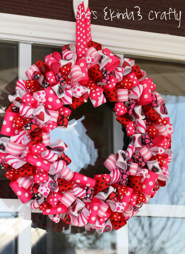 10 Cool DIY Valentine's Day Wreaths