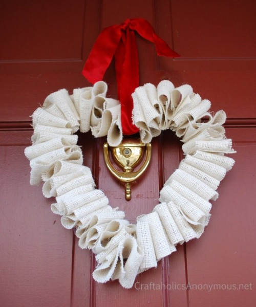 White Burlap Heart Wreath Tutorial (via craftaholicsanonymous)
