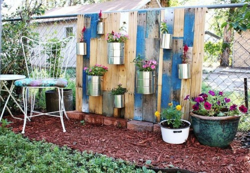 Cool DIY Vertical Pallet Garden