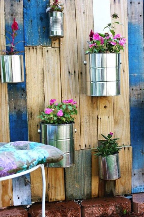 Cool diy vertical pallet garden shelterness - Jardin vertical pallet ...