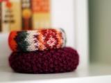 DIY old sweater bracelet (via rebekahgough)