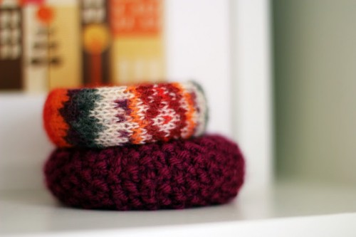 DIY old sweater bracelet