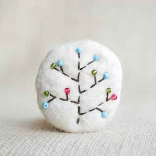 DIY wool brooch