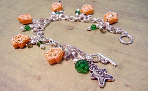 DIY gingerbread bracelet (via rings-things)