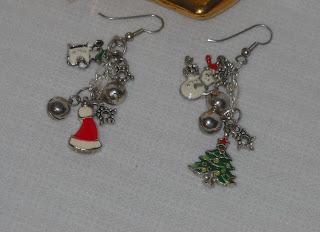 Christmas jewelry (via showmecrafting)