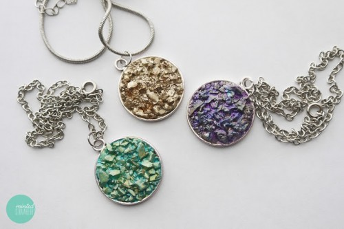 DIY faux druzy necklace (via mintedstrawberry)