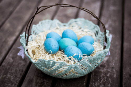 doily Easter basket (via rebekahgough)
