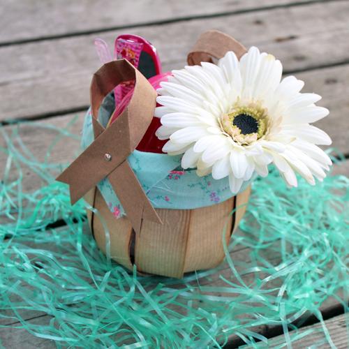 easy grocery bag basket (via blog)