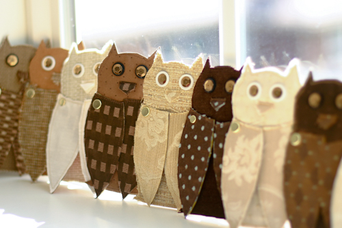 fabric owls for decor (via flaxandtwine)