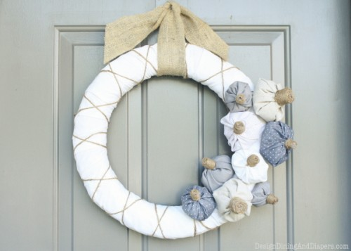fabric pumpkin wreath (via designdininganddiapers)