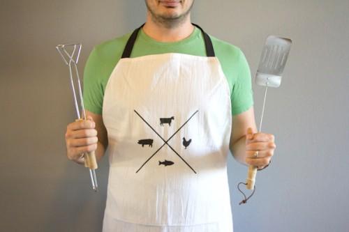 manly apron (via lovelyindeed)