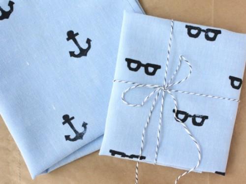 hand stamped handkerchief (via papernstitchblog)