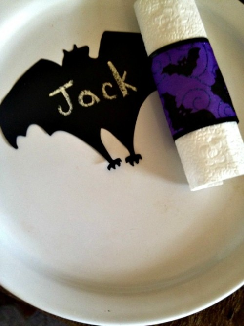 spooky supper napkin rings (via bargainbriana)
