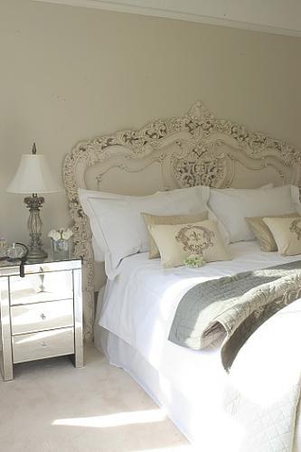 5 pc Queen Elizabeth renaissance style antique white king