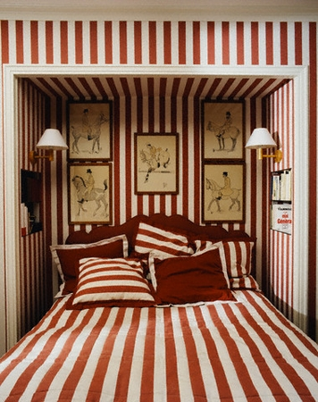 Home Of Patrick And Lorraine Frey: Striped Bedroom