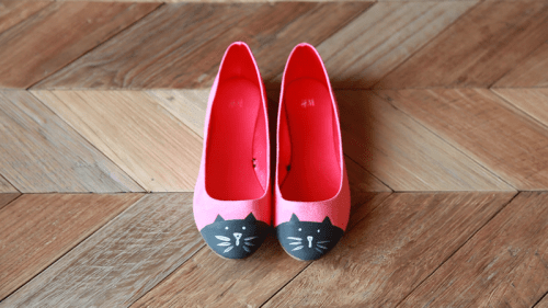 cat toe flats (via julieannart)