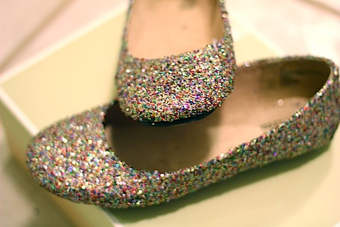 cool glitter flats (via wearenotmartha)