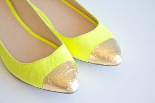 gold toe flats (via lovelyindeed)
