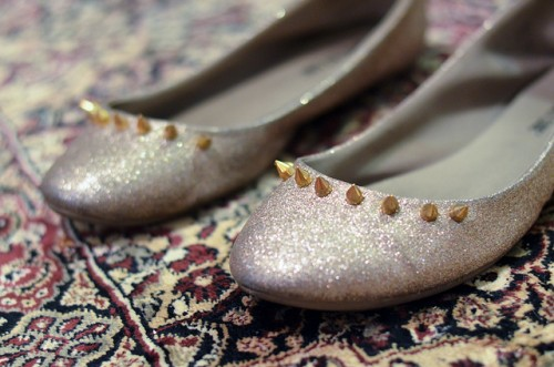 studded flats (via starsforstreetlights)
