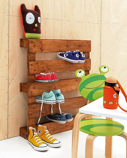 Stained pallet is a cool shoe display for a teen's room.