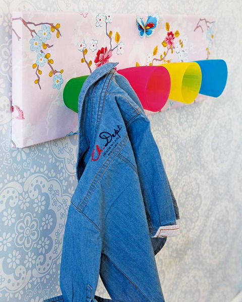 Even the simplest craft projects could become practical addition to a kids room decor.