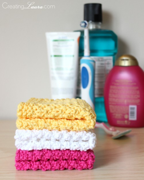 knitted washcloth (via creatinglaura)