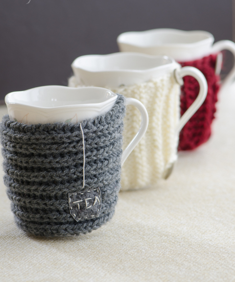 sweaters for cups (via sprawdzonakuchnia)