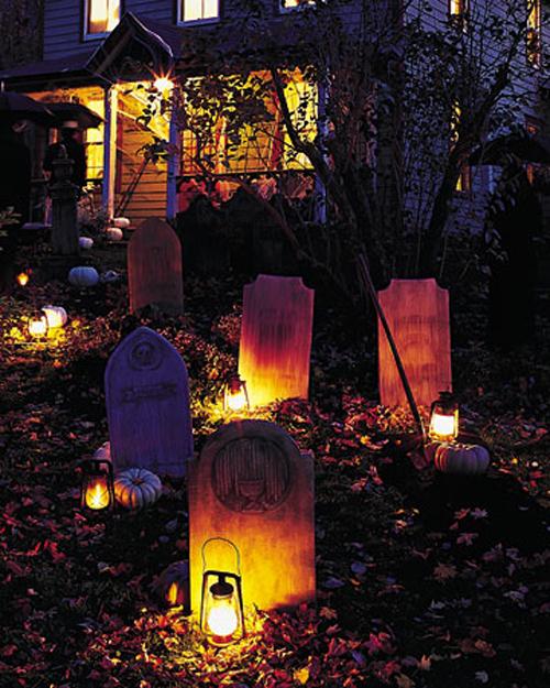 10 Creepy Outdoor Halloween Decorating Ideas