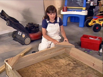 wooden sandbox (via diynetwork)