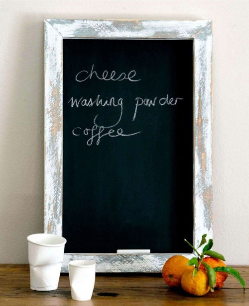 shabby chic rustic frame (via shelterness)