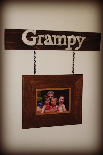 cool hanging rustic frame via renewedspaces