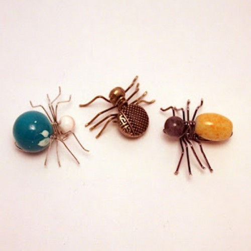 Cool DIY Spider Jewelry For Halloween
