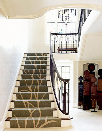 Do you want your staircase looks like it's a part of a large tree? It's possible with the right runner.