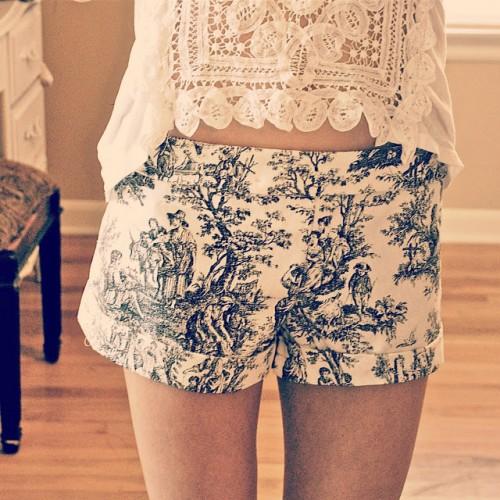 printed Victorian shorts (via trashtocouture)