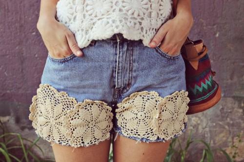 doily denim shorts (via abeautifulmess)