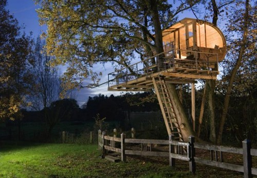 15 Very Cool Treehouse Designs
