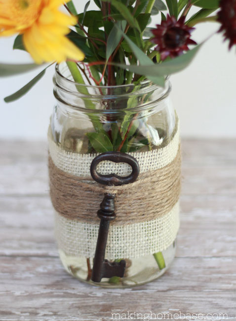 16 Cool Vintage-Inspired Crafts For Home Décor