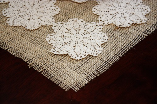 doily placemat (via craftsunleashed)