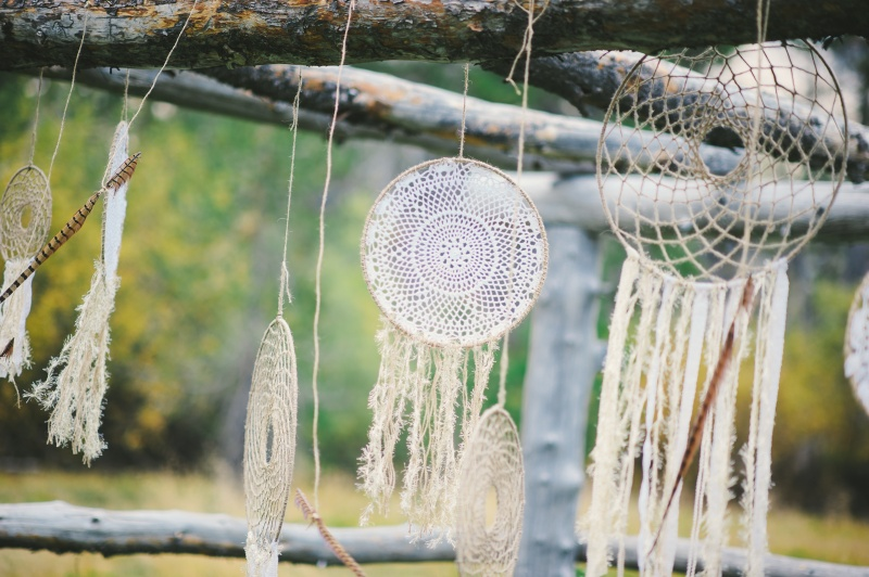 13 Cool Vintage-Inspired DIY Crafts From Doilies